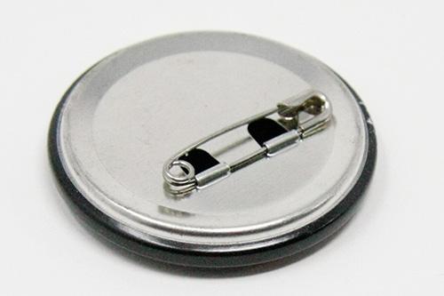 オフセット印刷の缶バッチの写真